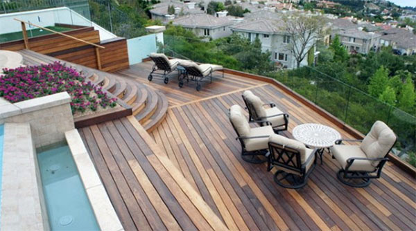 Tiered mixed color hardwood deck