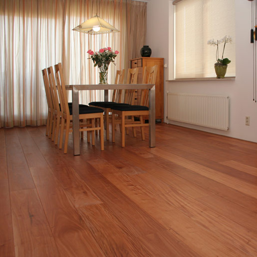 Amendoim Prefinished Clear Hardwood Flooring