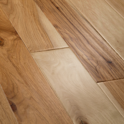 Hickory Natural Hardwood Flooring Handscraped ABCD 4.9""