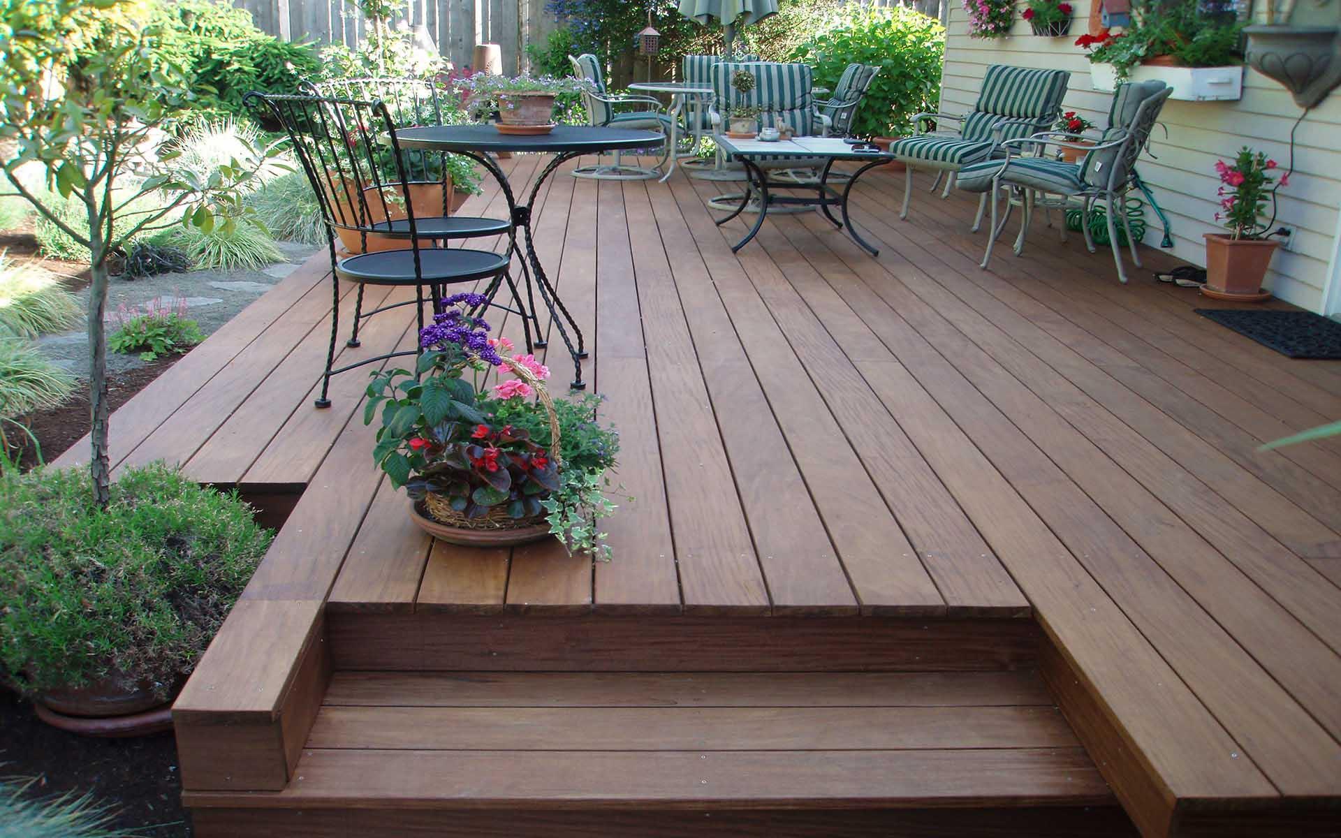 Ipe Decking - Patio with Stairs.jpg