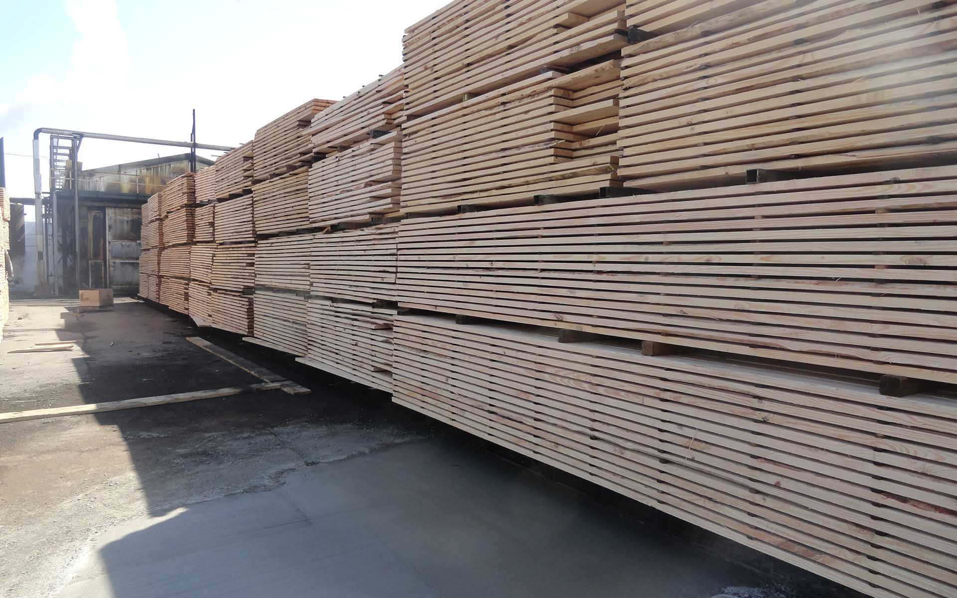 Naturally_Durable_Hardwood_Kiln_Sticks_yarding lumber 005.JPG