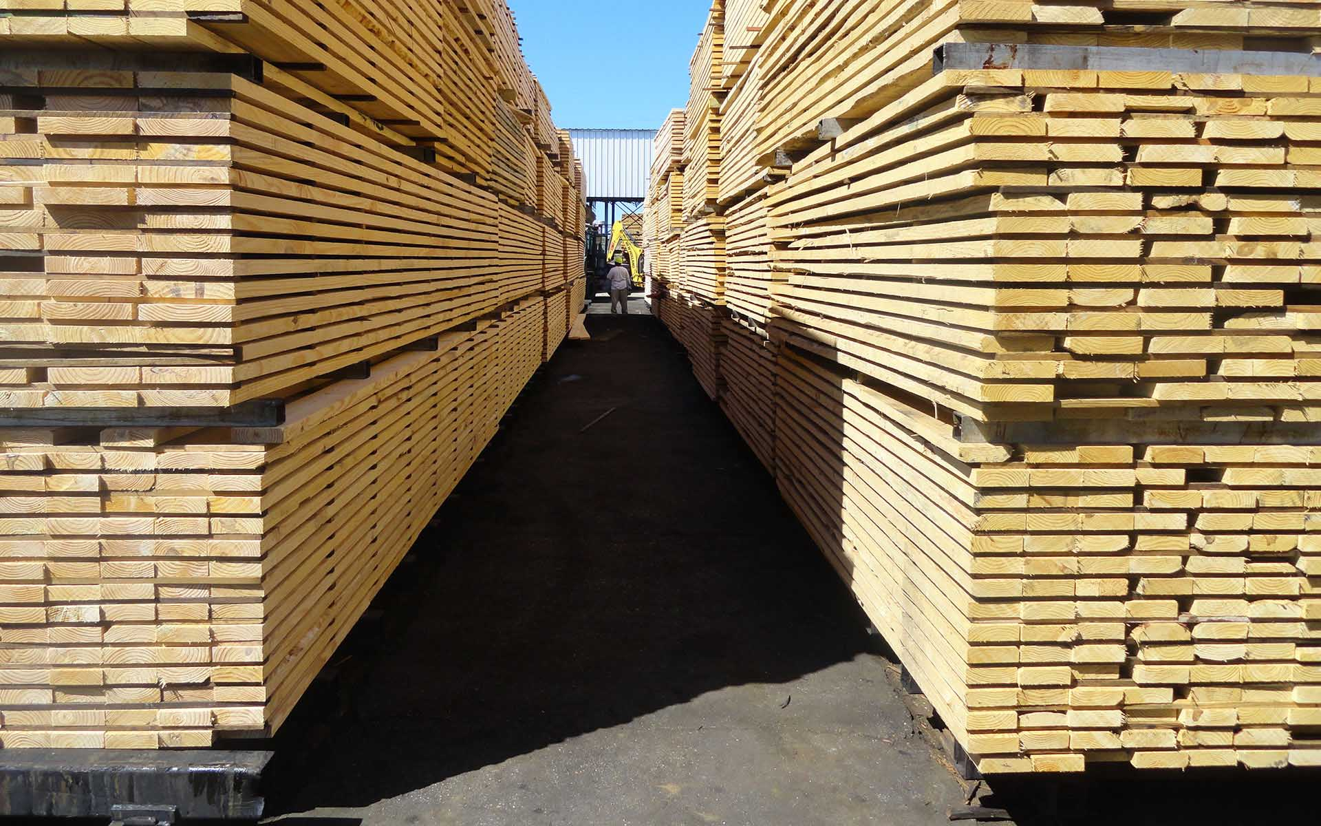 Naturally_Durable_Hardwood_Kiln_Sticks_yarding lumber 008.JPG